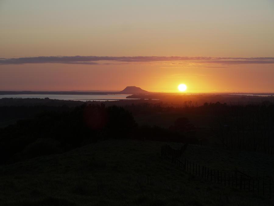 Mount Maunganui Sunrise by yume-ryuu