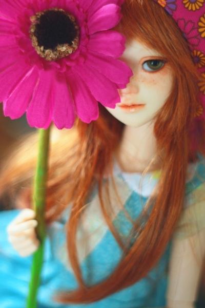 fake flower fake girl by da-bu-di-bu-da