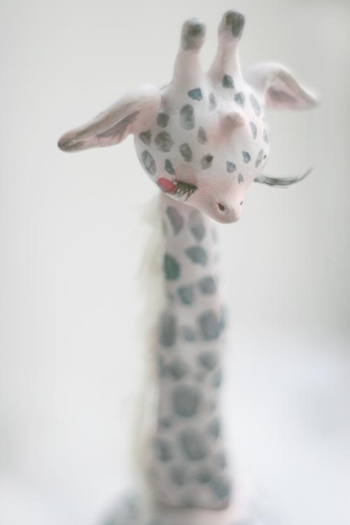 giraffe closer by da-bu-di-bu-da
