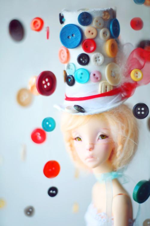 miss buttons by da-bu-di-bu-da