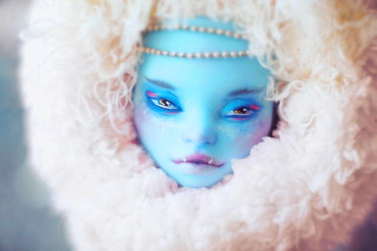 blue eskimo by da-bu-di-bu-da