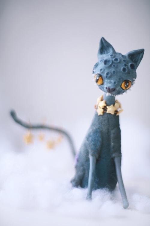 mooncat by da-bu-di-bu-da