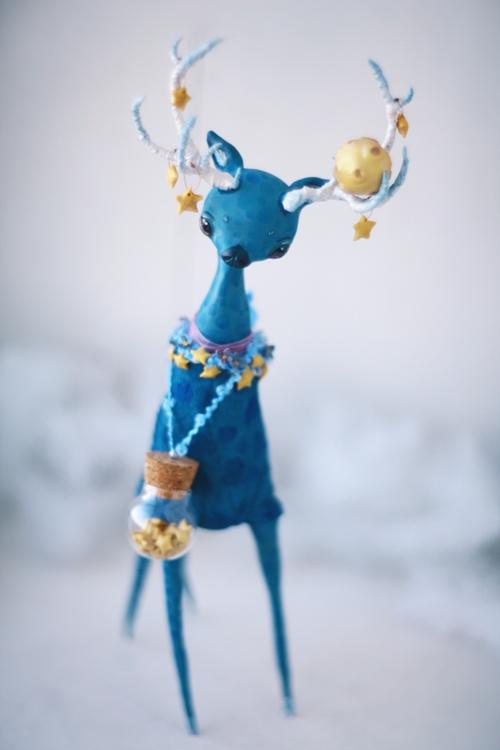 moon stuck in antlers by da-bu-di-bu-da