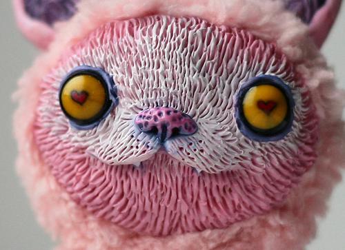 close-up of a cat by da-bu-di-bu-da