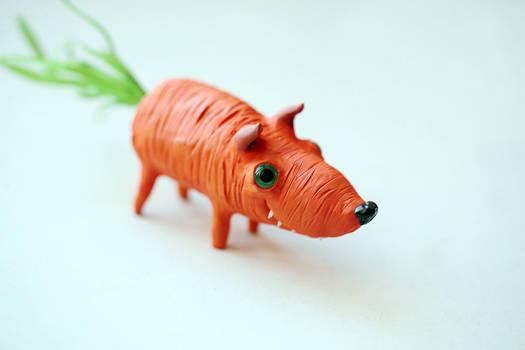 tiny carrot dog