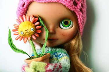 my lovely pet plant by da-bu-di-bu-da