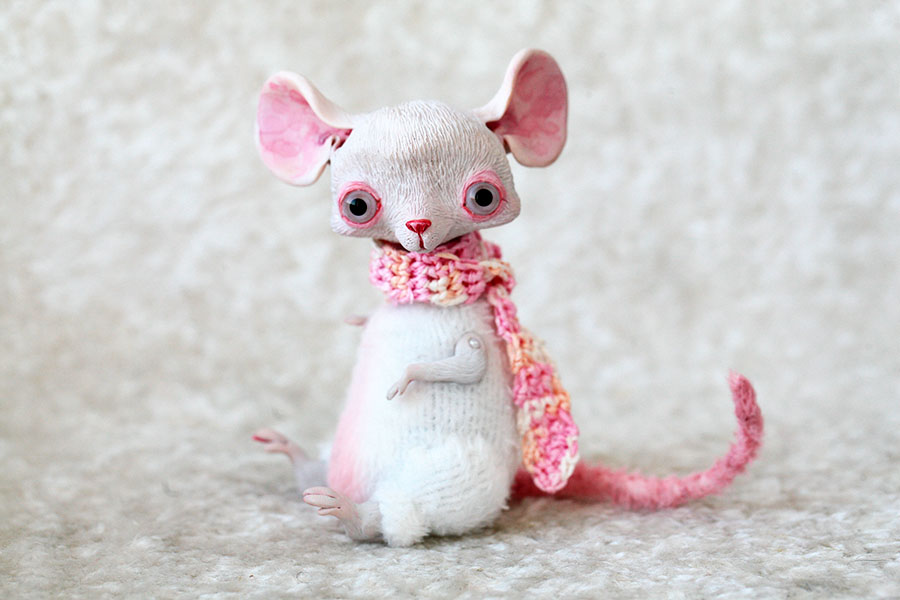 white mouse by da bu di bu da on deviantart