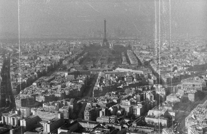 Paris by AnaNaszynska