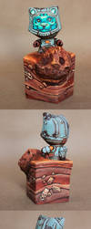 Space kitty Custom painted Floxy vinyl figure by Tatonkus
