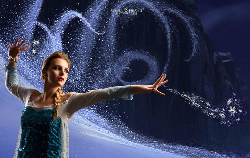 Frozen (Elsa Cosplay) by GlowingSnow