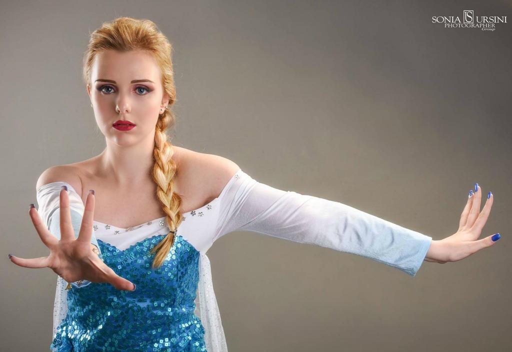 Frozen: Elsa and Hans scene by GlowingSnow