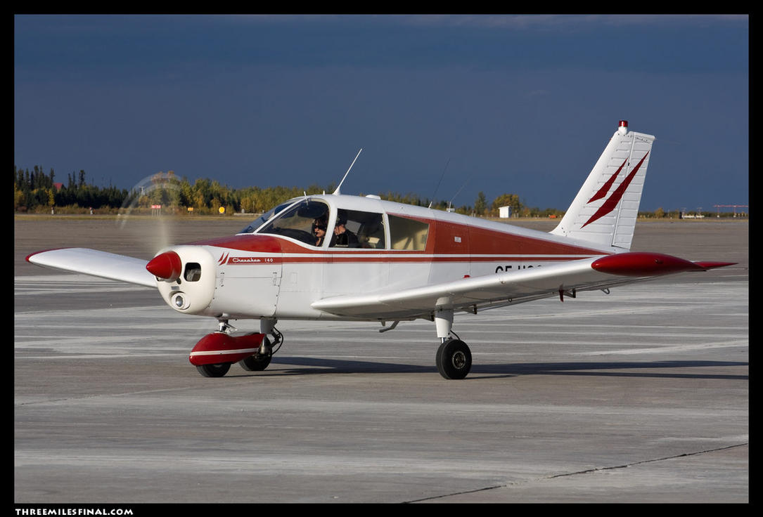 piper_cherokee_140_by_altitude604-d4baxk