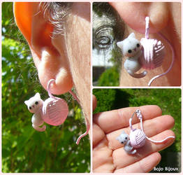 Cat and Wool Clew fake plug / earring by Bojo-Bijoux