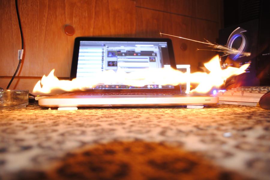 trying to burn my macbook hihi