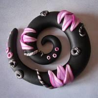 Spirale in rosa e nero by Alkhymeia