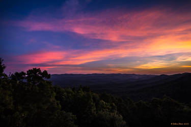 Vibrant Sunset overtop the Georgia Mountains