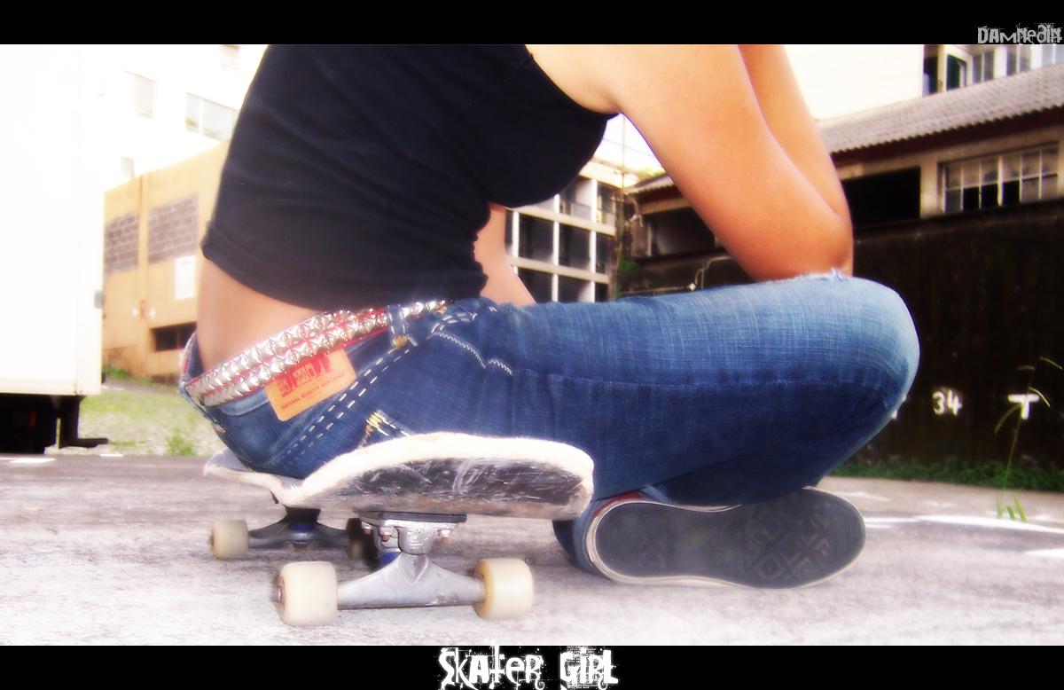 Skater Girl by Damnedin