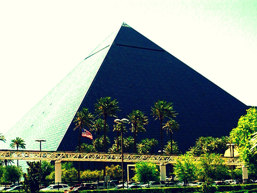 pyramid in las vegas