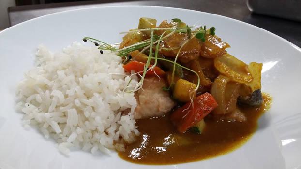 Curry con pescado y verduras