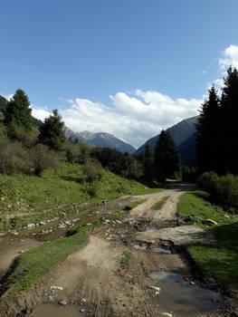 Road to the lake Akkol (KG)