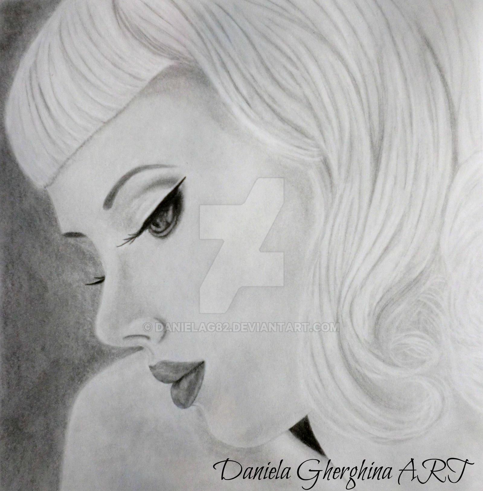 Miss Mosh by danielag82