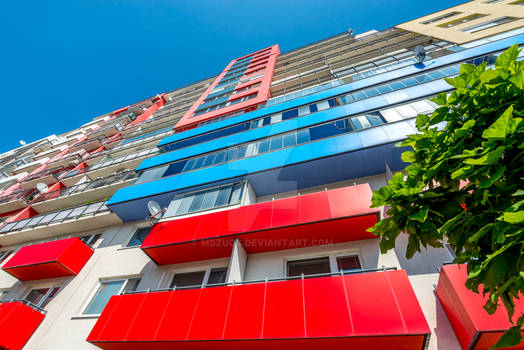 Colorful huge and height prefab house
