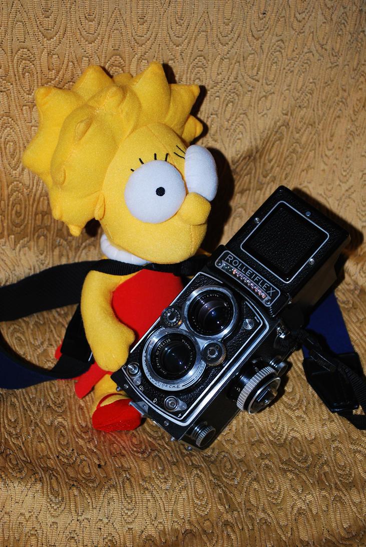 Lisa with my Rolleiflex by GladiatorRomanus
