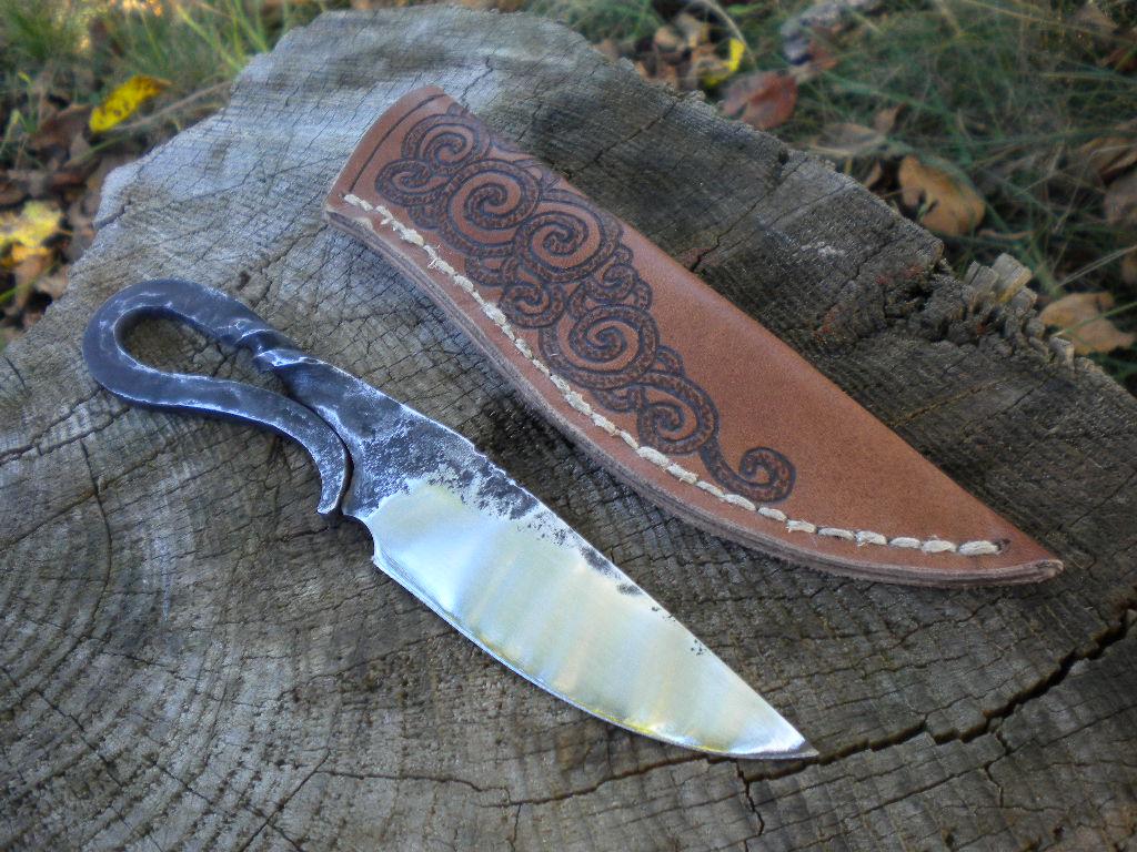 Blacksmith's knife by hellize