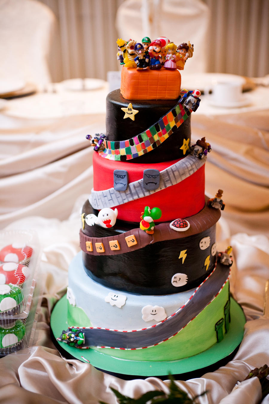 Geek Art Gallery Sweets Mario Kart Cake