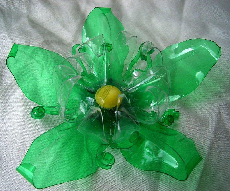 Recycled plastic bottles flower by tamas kanya by tom for Recycled plastic containers