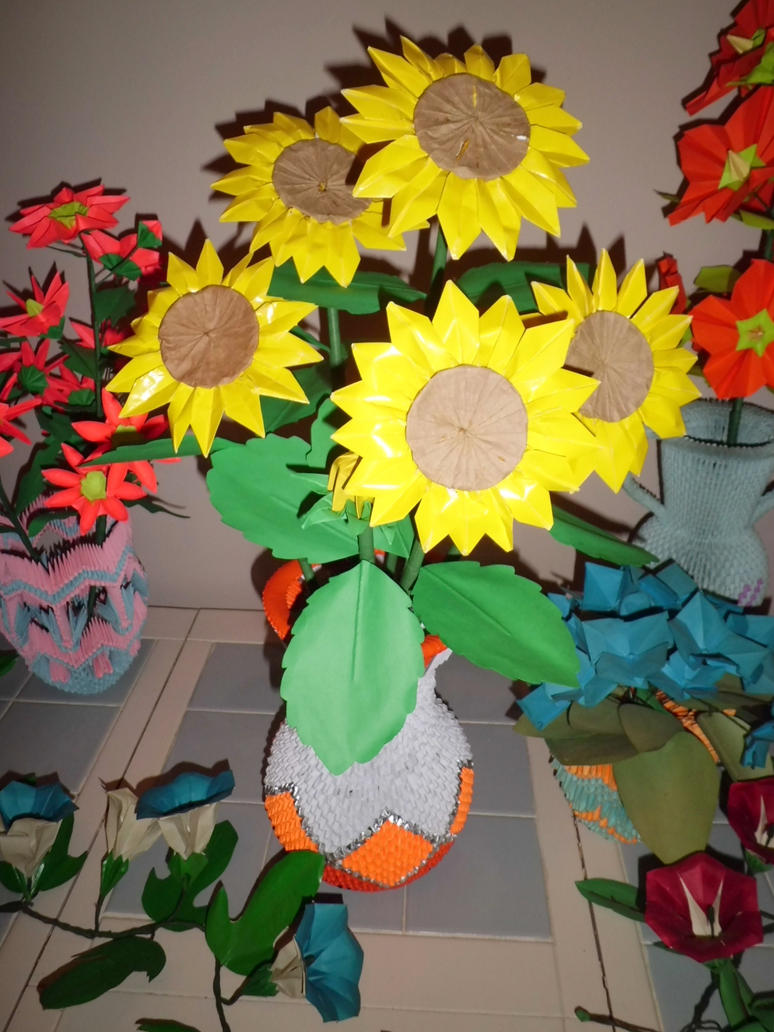 Sunflowers and 3d origami vase by dfoosdc on deviantart sunflowers and 3d origami vase by dfoosdc jeuxipadfo Gallery