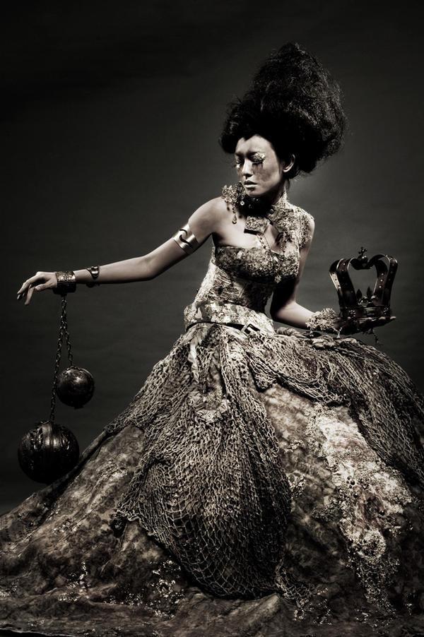 still be queen by sukakemayu on DeviantArt