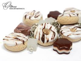 Bracelet Doughnuts by OrionaJewelry