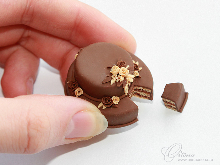 Chocolate cake by OrionaJewelry