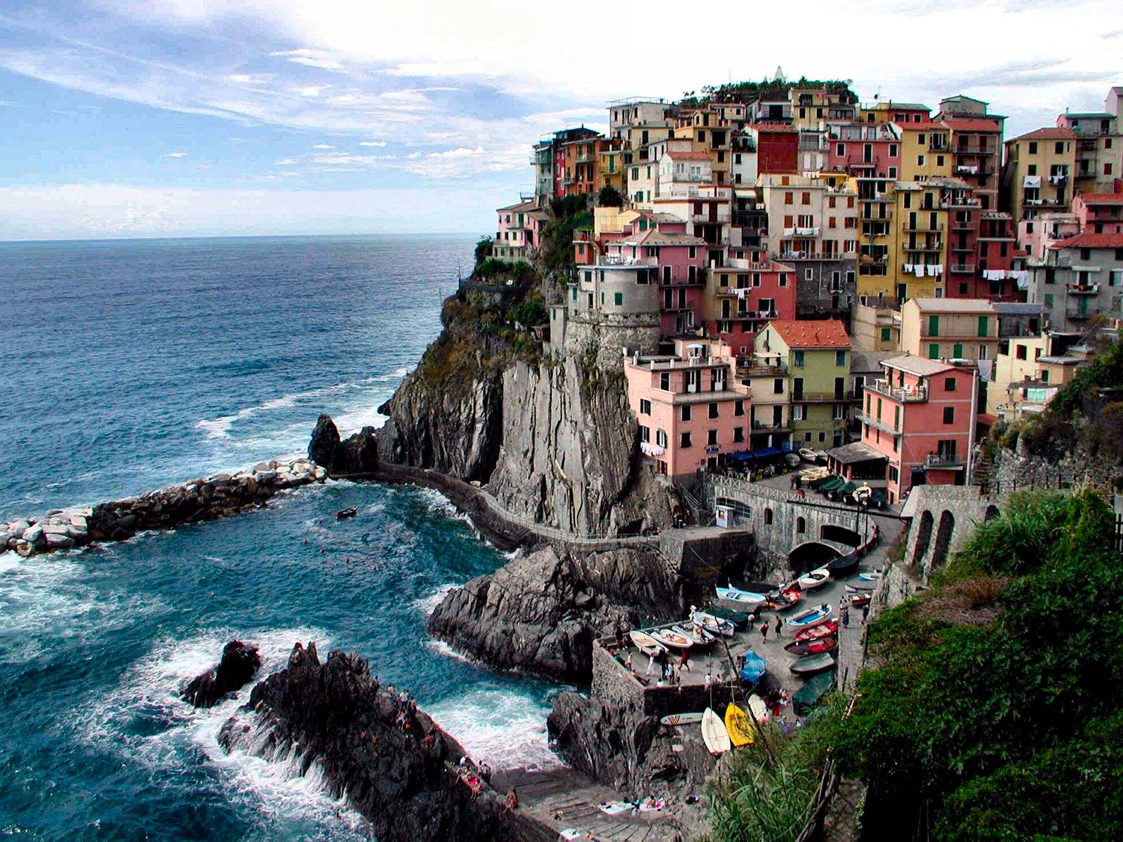 Manarola Italy by puddlz