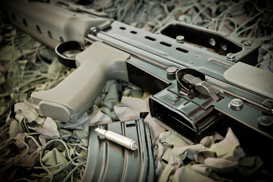 L85A2 by carlsilver
