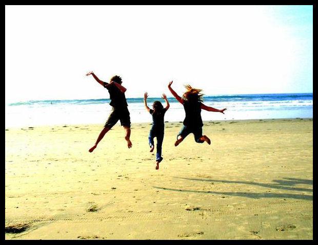 Volim te kao prijatelja, psst slika govori više od hiljadu reči - Page 2 Friends_Forever__by_doublezombieover