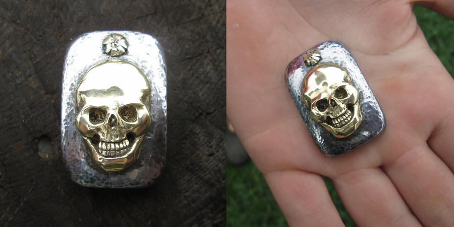 Skull inlaid into steel by copperrein