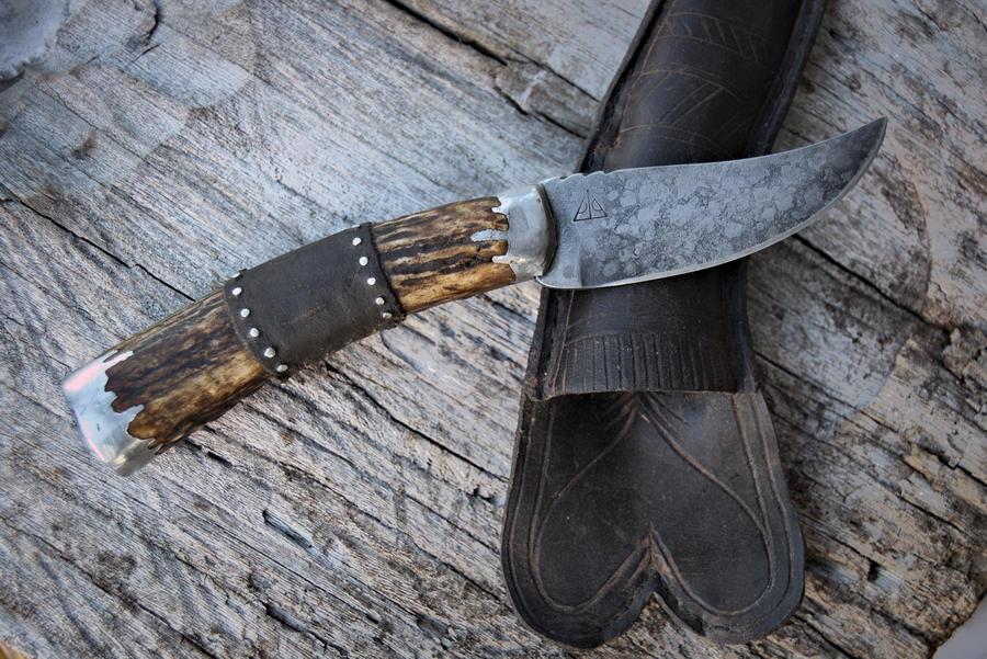 Black Powder Patch Knife
