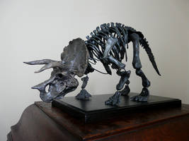 Triceratops Sculpture by waynedowsent