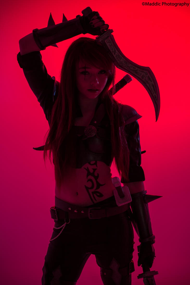Katarina - League of legends Cosplay by Mistzy by Mistzy