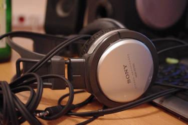My headphones by Alcatraz1991