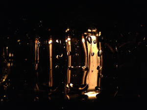 Illuminated Droplets