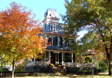 Old Spooky House by pat-mcmichael