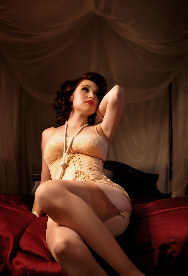 Vintage Pin-up by viamarie