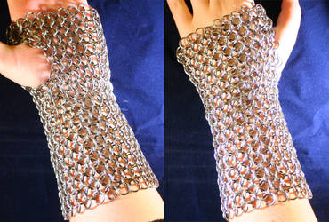 Fingerless glove - chain mail