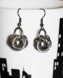 Moebius earrings by skyalin