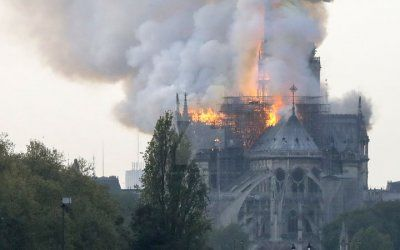 Notre Dame de Paris is burning by Eloise-Caroline