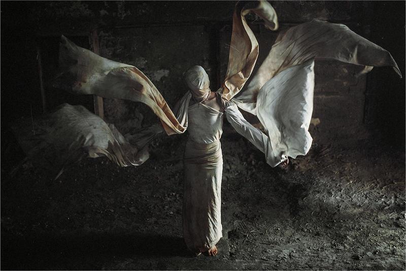 flying veil by ezorenier