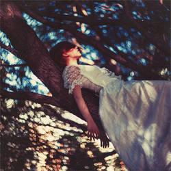 daydream by ezorenier